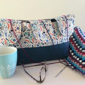 Large yarn bag with grommets