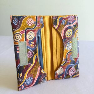 Handmade Bifold Ladies Purse - 'Desert Tracks'